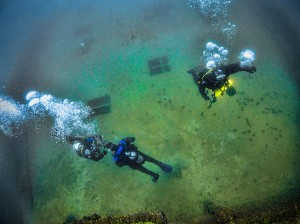 divers-deckStraits